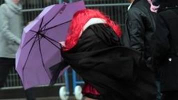 Karneval: Immer neue Zugabsagen wegen Sturm und Regen am Sonntag