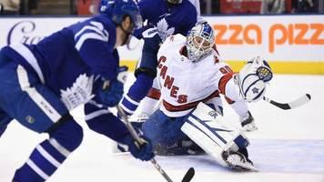 Verrücktes NHL-Debüt: Hausmeister muss beim Gegner als Torwart einspringen – und wird zum Matchwinner