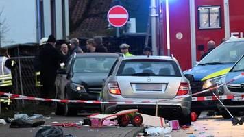 Volkmarsen: Autofahrer rast in Rosenmontagszug – Er sagte: 'Bald stehe ich in der Zeitung'