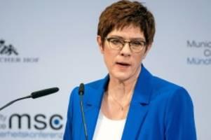 parteivorsitz: cdu plant sonderparteitag zur vorsitzendenwahl im frühjahr