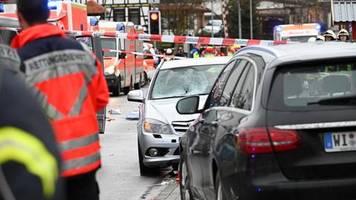 volkmarsen: fahrer soll absichtlich in karnevalsumzug gefahren sein – dutzende verletzte