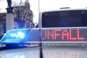 Unfall mit Schwerverletzten: Zwei Autos prallen aufeinander