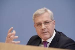 Kandidatur: CDU-Vorsitz: Röttgen will im Team mit einer Frau kandidieren