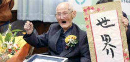 japan : Ältester mann der welt mit 112 jahren gestorben