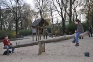Analyse: Welcher Bezirk die besten Bedingungen für Familien bietet