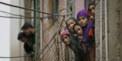 proteste und gegenproteste in neu-delhi: viele tote bei straßenschlachten