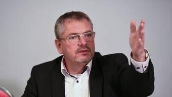 Hetze im Netz: Anwalt löscht umstrittenen Internetbeitrag