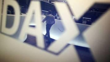 Börse in Frankfurt: Dax tief im Minus - Furcht vor den Folgen des Coronavirus