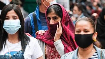 Lungenkrankheit: Sind Pakete aus China jetzt gefährlich? WHO räumt mit Mythen rund um das Coronavirus auf