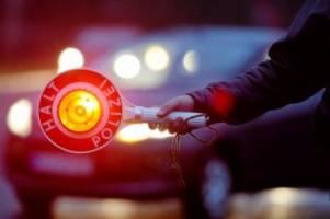 Hamburg: Fahrerin versteckt bei Polizeikontrolle Drogen im BH