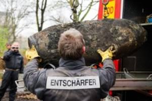 Kampfmittelräumdienst: 500-Pfund-Bombe im Hamburger Hafen entdeckt