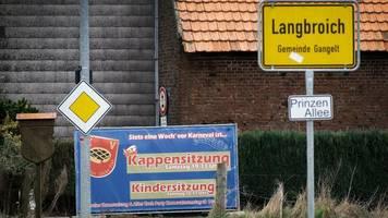 Coronavirus in Deutschland: Behörden suchen intensiv nach weiteren Infizierten – NRW will derzeit keine Ortschaften abriegeln