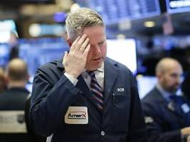 Fed zum Eingreifen bereit: Virus-Panik beschert Börsen schwarze Woche