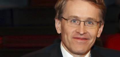 Daniel Günther stellt sich hinter Armin Laschet und Jens Spahn