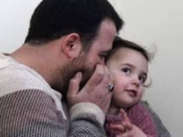 Syrien: Wie ein Vater aus dem Krieg ein Spiel macht, um sein Kind zu schützen
