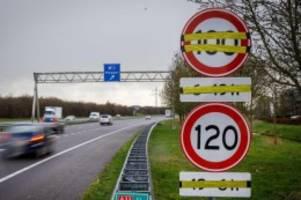 neue geschwindigkeit: niederlande startet tempo 100 auf autobahnen