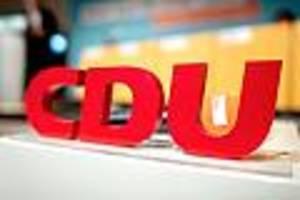 akk bleibt länger vorsitzende - cdu-parteitag wegen corona-virus verschoben: für chef-kandidaten keine gute nachricht