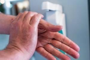 vorbeugung: coronavirus: wie sie die hände waschen sollten