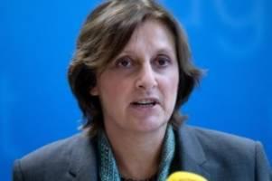 krankheiten: ministerin begrüßt entscheidung für abiturprüfungen