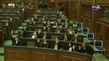 video: misstrauensvotum stürzt regierung im kosovo inmitten von corona-pandemie