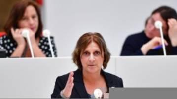 Krankheiten: Abiturprüfungen: Ministerin für Termin nach Ostern