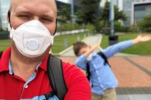 Schutzkleidung: So will ein Berliner Corona-Masken aus Hongkong importieren