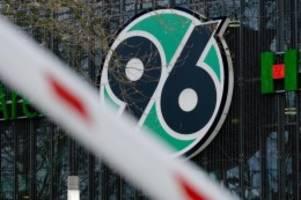 Fußball: Zwei weitere 96-U23-Spieler positiv auf Coronavirus getestet