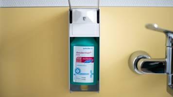 Merck und Henkell spenden 45 000 Liter Desinfektionsmittel