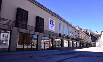 bis wann die intensivbetten in Österreich voll sein könnten und das festspielhaus in salzburg leer