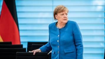 Merkel: Debatte über Lockerung der Maßnahmen zu früh