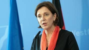 schulministerin stellt zeitplan für abschlussprüfungen vor