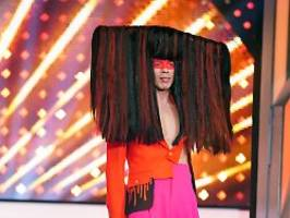Jorge González macht's vor: Eine praktische Frisur gegen Corona