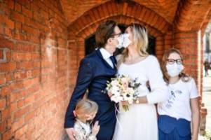Corona-Hochzeit in Berlin: Liebe ist stärker als das Coronavirus