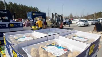 Corona-Krise: 25 000 Euro Spenden für verteilten Knödelteig