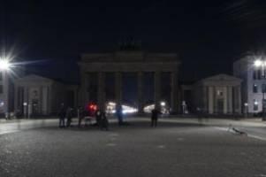 Weltweite Aktion: Licht aus für das Klima: Earth Hour trotz Corona-Pandemie