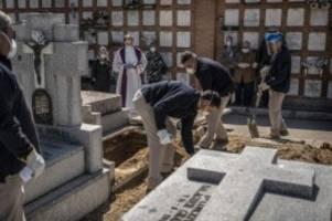 Zweiter Tag in Folge: Spanien beklagt mehr als 800 Corona-Tote binnen 24 Stunden