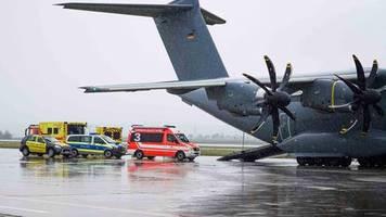 Solidarität in Corona-Krise: Luftwaffe fliegt europäische Covid-19-Patienten nach Deutschland