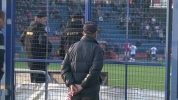Video: Trotz Corona: In Weißrussland wird weiter Fußball gespielt