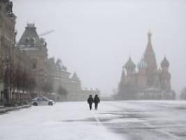 strafen für corona-verweigerer: russland greift eisenhart durch