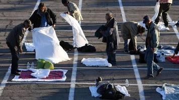 Las Vegas: Coronavirus-Fall in Unterkunft: Obdachlose müssen auf einem Parkplatz schlafen