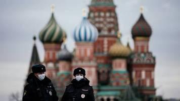 russland beschließt strenge strafen bei quarantäne-verstößen