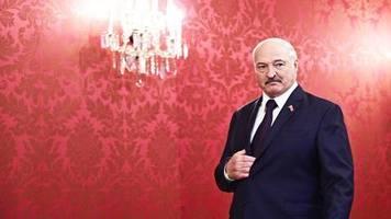 Zweifelhafte Empfehlungen: Wodka und Sauna: Weißrussischer Diktator gibt Tipps gegen das Coronavirus