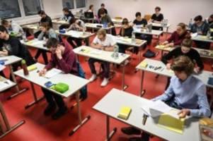 Senat: Prüfung verschoben: Hamburgs Abiturienten erhalten mehr Zeit