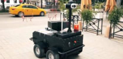 Roboter statt Polizisten: Mit Erfindergeist gegen das Coronavirus