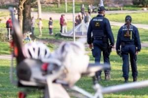 Corona-Krise: Kontaktverbot: Das sind die neuen Regeln – und die Strafen
