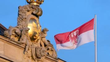 Landtag stellt Weichen für mögliches Notparlament