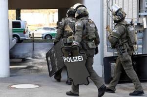 nach macheten-angriff im augsburger univiertel: opfer hat krankenhaus verlassen