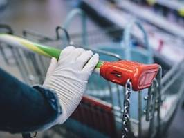 Einkaufen im Supermarkt: Einweghandschuhe so wichtig wie Masken?