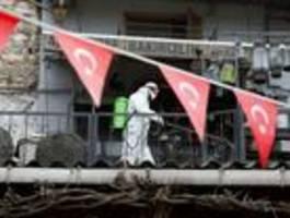 kampf gegen das coronavirus vertieft die politischen gräben in der türkei