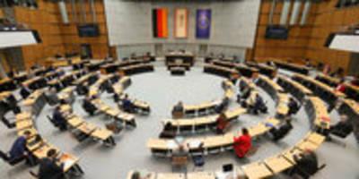 Parlamentsdebatte zu Corona-Folgen: Bammel vor dem Sonnen-Sonntag
